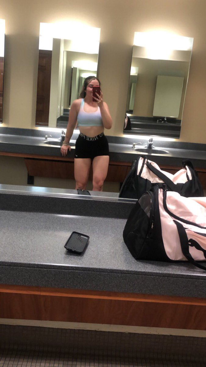 Got very discouraged to ever wear shorts at the gym bc I felt so ugly now I embrace what I got and workout my flaws  #selflove and for the booty poses <br>http://pic.twitter.com/myMLv5BBwa