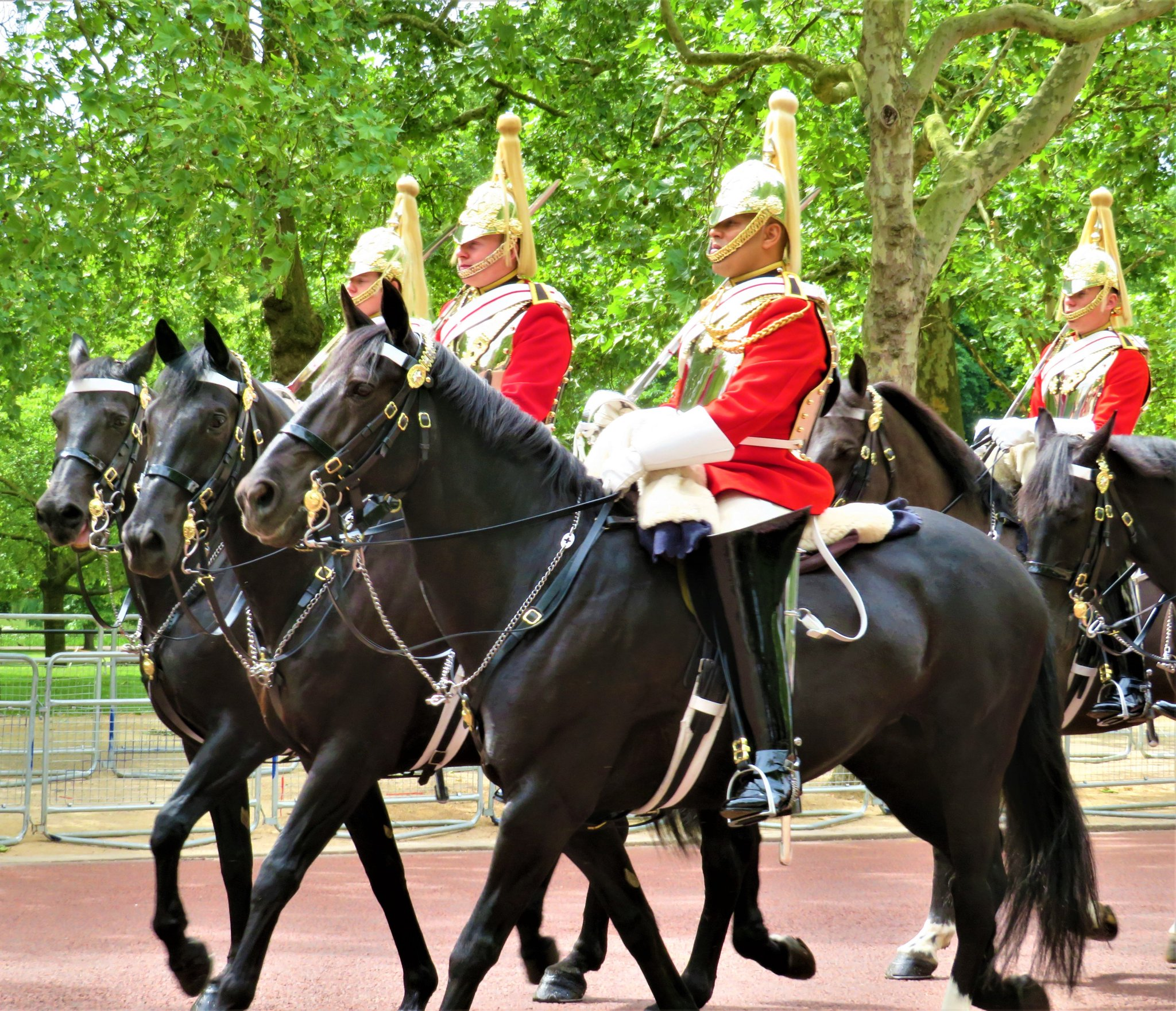 queens life guards - HD 2048×1761