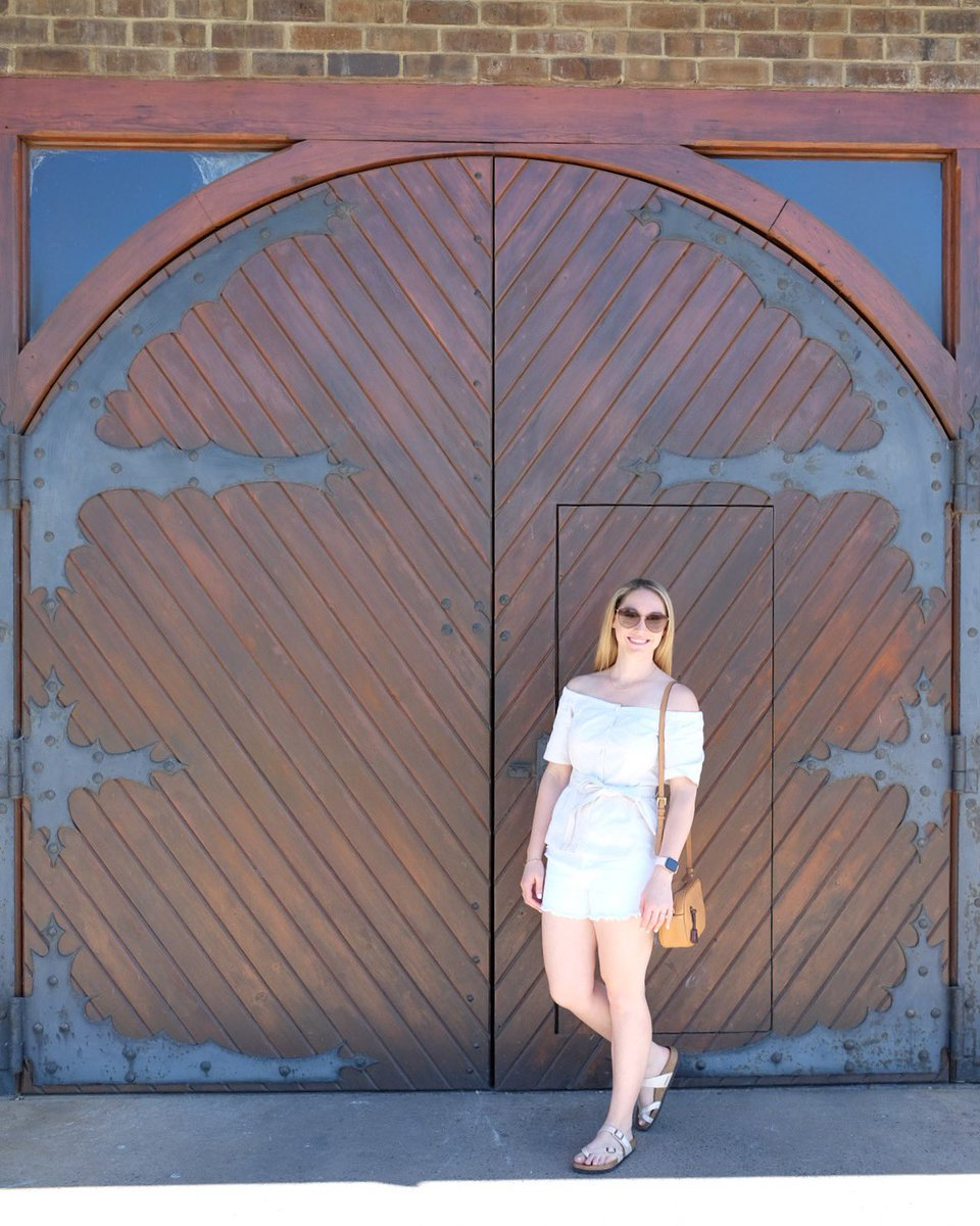 Pretty happy about the fact that I am sneaking out tomorrow for a girls' weekend! Wineries & pool time are definitely on the schedule. Who else is looking forward to the weekend??  #weekendready #summerfashion #seattleblogger<br>http://pic.twitter.com/QUUBdB5ARb