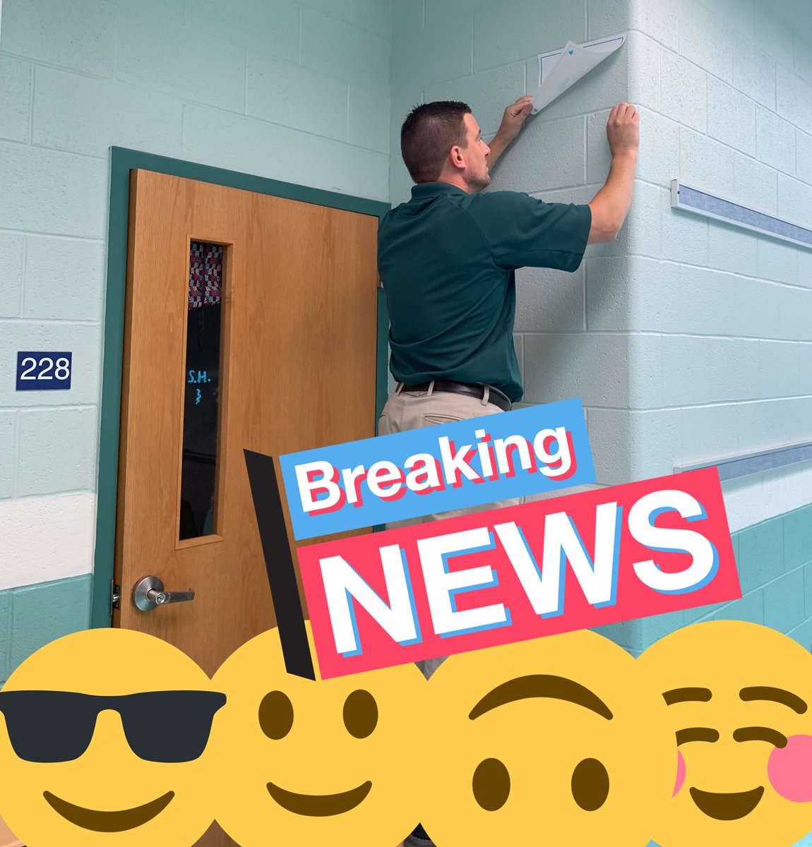 We are all diligently working to get @SMS_CT ready for our amazing students! @DrChrisLongo was busy labeling classrooms today... @BNanassy @SalemSasha #SMSpride #NMPSrocks #SURGE