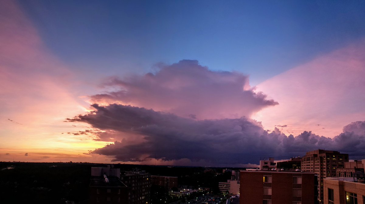 Light from the sunset is being cut off by the top of this thunderstorm over Montgomery County, MD! #MDwx #DCwx <br>http://pic.twitter.com/0FGulwaBtn
