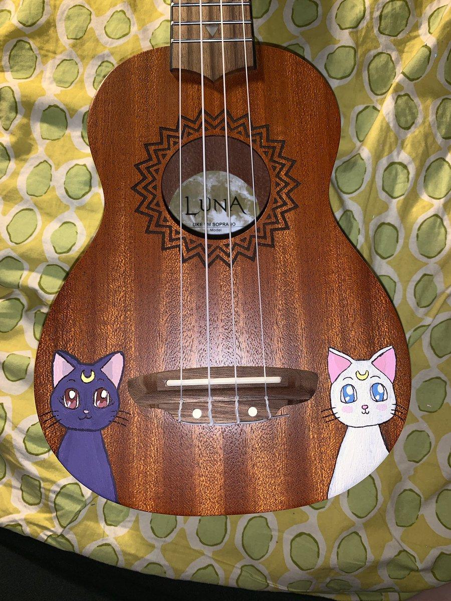 Painted this ukulele for my boyfriend for his bootcamp graduation #SailorMoon @lunaguitars <br>http://pic.twitter.com/c8kio0Xydb