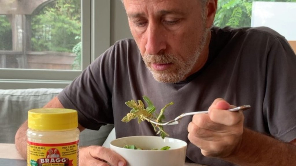 #JonStewart loving the #vegan cheesy flavor of nutritional yeast is all of us. http://tinyurl.com/y55zfr4f
