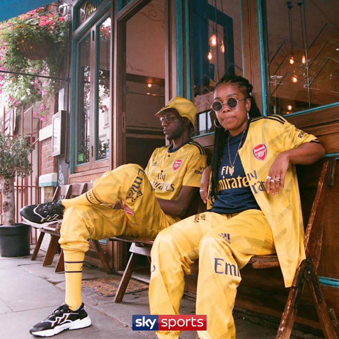 @Arsenal & @adidasfootball have partnered up with Art of Football to re-imagine the 19/20 away shirt for Notting Hill Carnival this weekend  <br>http://pic.twitter.com/FsP3NbHdEr