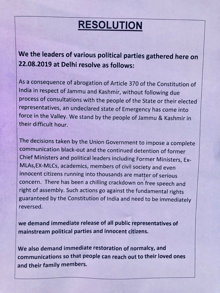 Opposition parties at Jantar Mantar pass a resolution demanding release of netas from prison and restoration of democracy. #Article370Scrapped