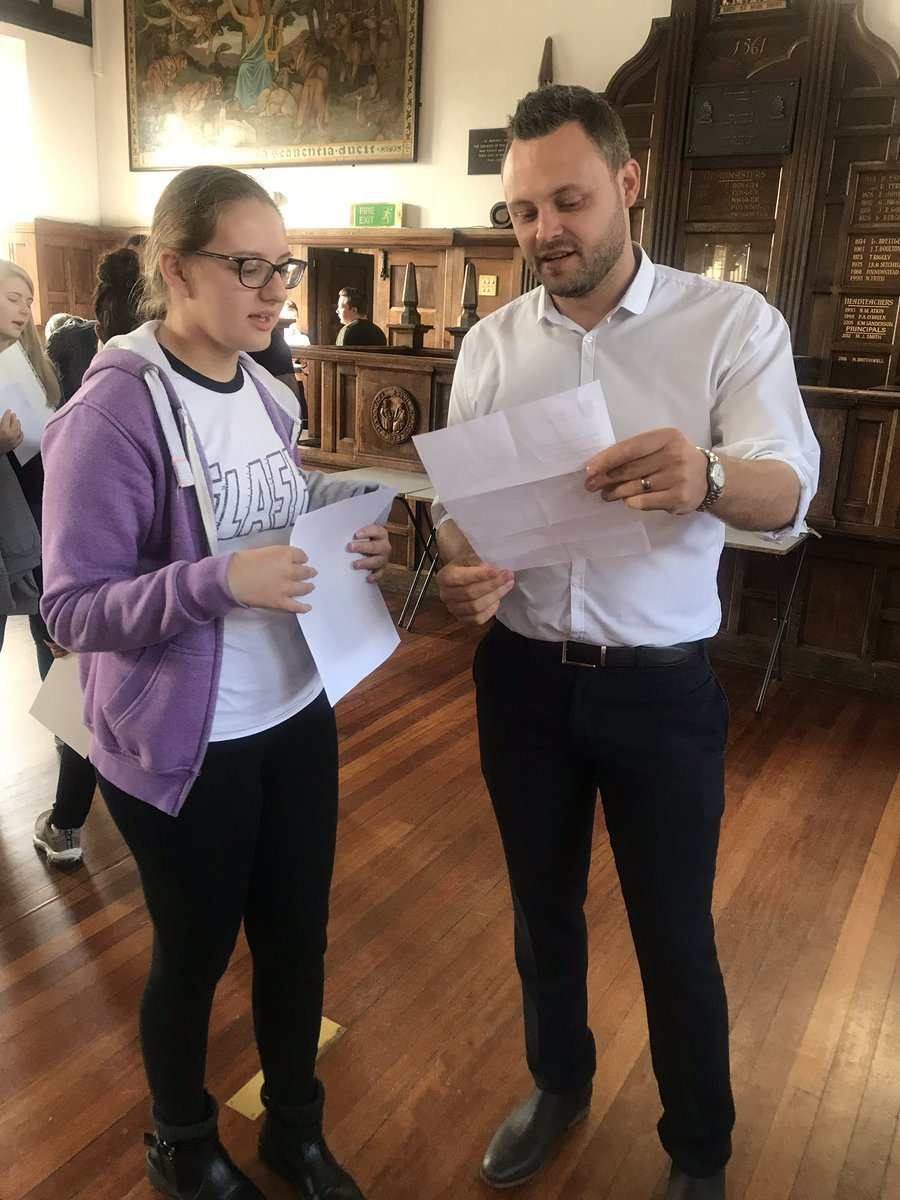 @bbradleymp is here @qea_mansfield today to support the celebrations as pupils open their results #Results2019