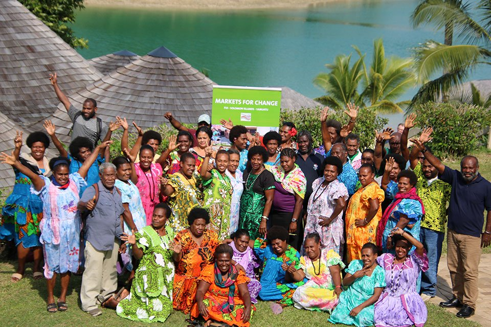 The Markets for Change Project by @unwomenpacific, in partnership with @UNDP_Pacific, works to ensure marketplaces in #Fiji, #Solomon & #Vanuatu are safe, inclusive & non-discriminatory by promoting women's empowerment.⬇️ unwo.men/DdtN30pjoq2 #Beijing25 #GenerationEquality