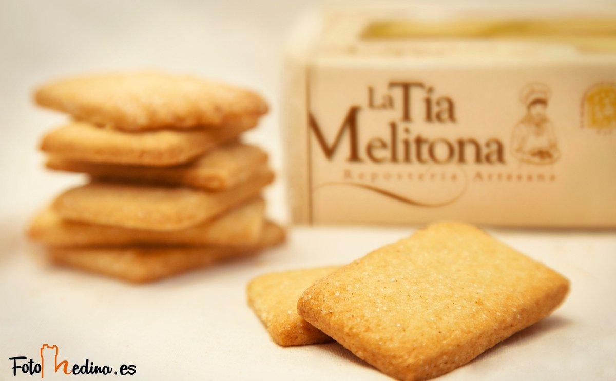 Mojados en la leche o el café, estos bocados de canela de #LaTíaMelitona son sabor y energía para que este sea un #FelizJueves 💛☀️