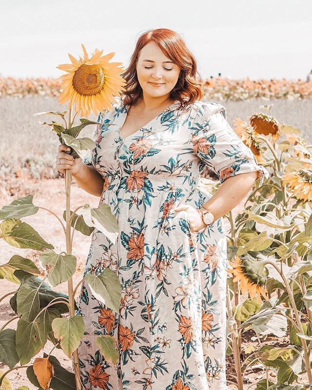 Stand tall, stand proud Channel your inner sunflower, always, because you're fabulous and wonderful just the way you are.  . . . . . . #reallifeandstyle #slowstyling #wearingtoday #midsizestyle #averagegirlsize #yoursizeyourstyle #insizestyle #siz… https://ift.tt/2Z9aZOX pic.twitter.com/KHJbM8hCeI