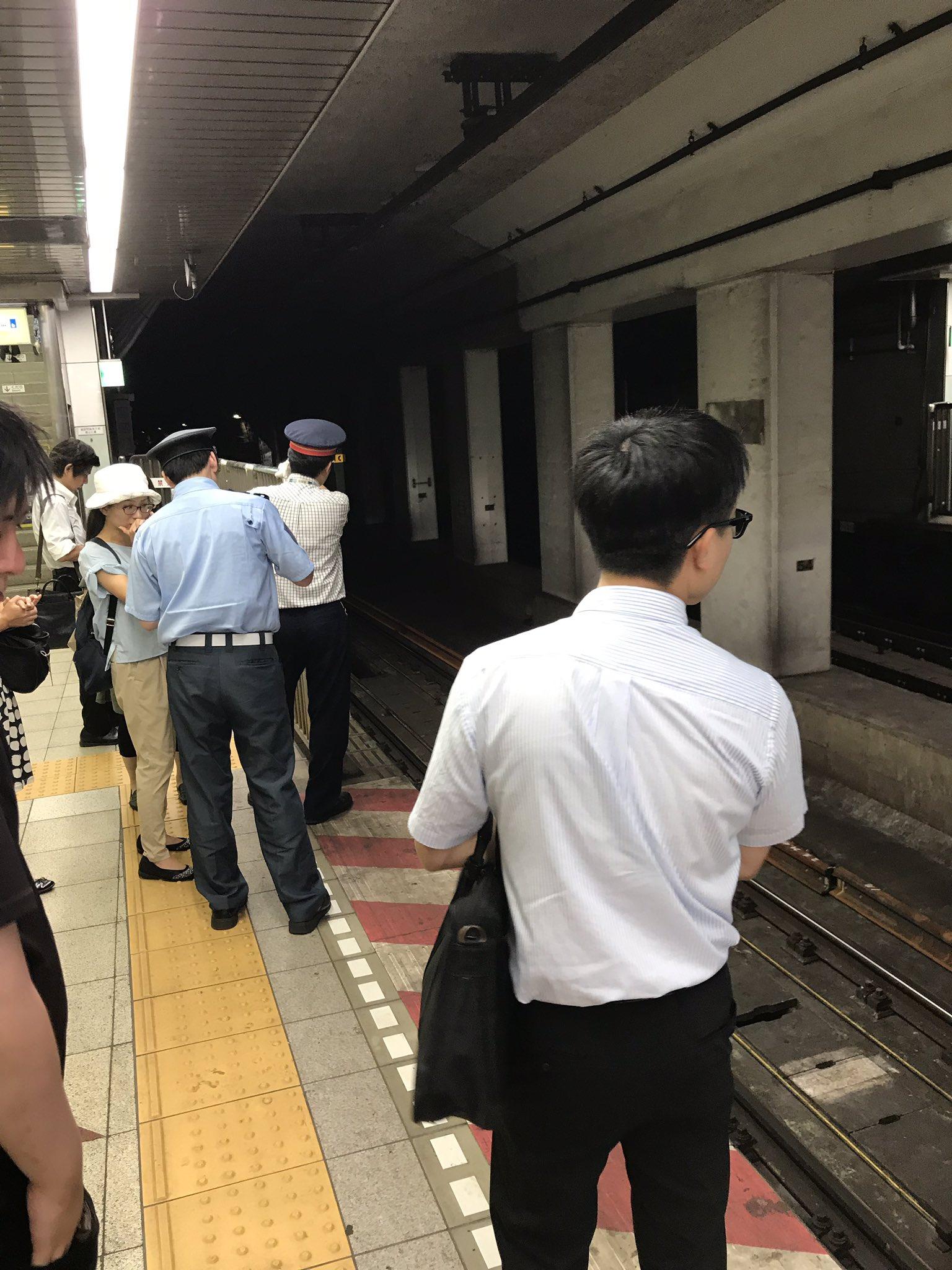東西線の門前仲町駅で線路内立ち入りが発生した現場の画像