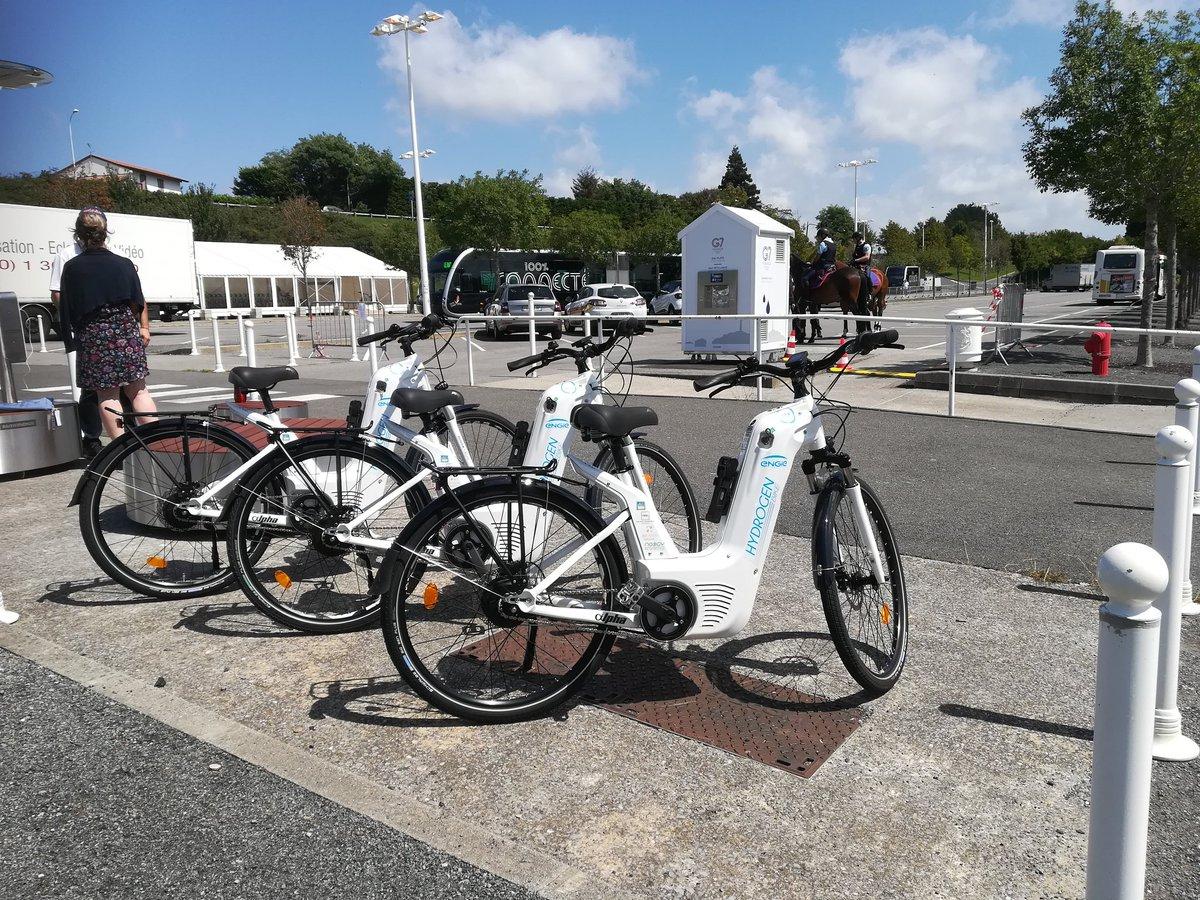 En place Halle Iraty et Gare du Midi à Biarritz pour le #g7 les 200 vélos seront disponibles pour les journalistes accrédités dès Demain @ENGIE_CofelyFR @BMSPowerSafe @ad_venta @NeogyNomade #greenMobility #g7pressMobility #H2bike #H2Now