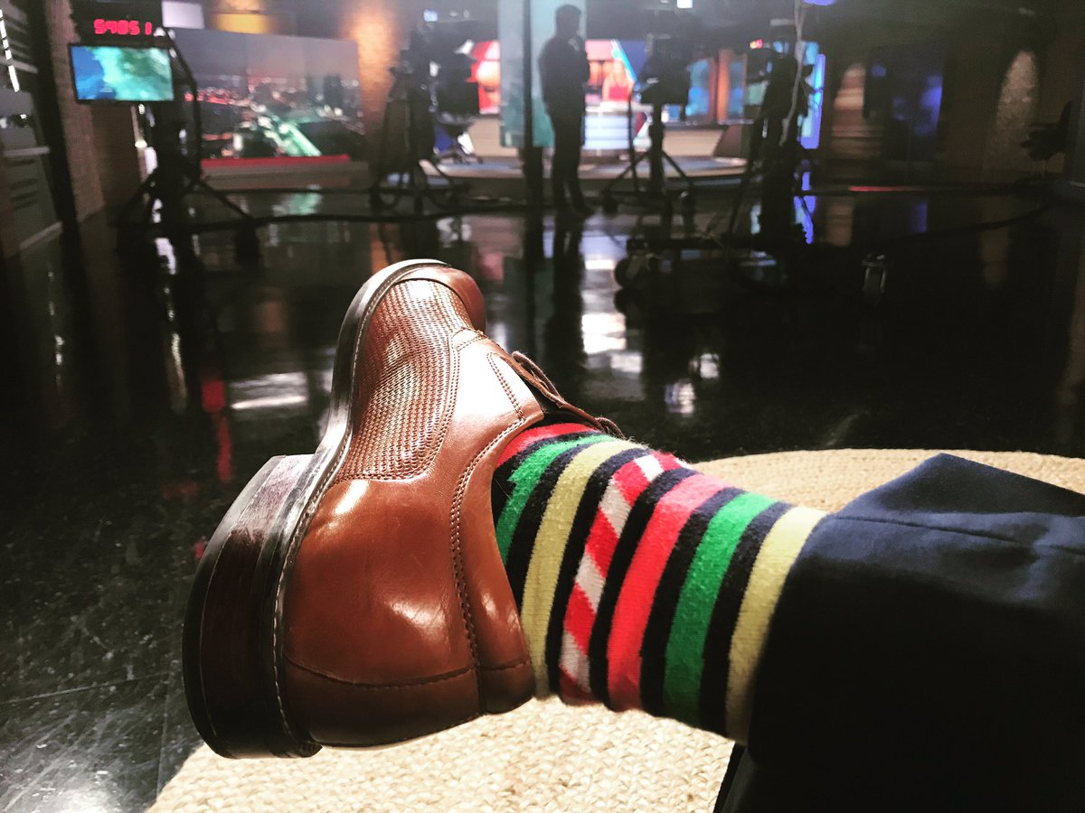Waiting in the wings. Thursday morning #sockgame #ondeck @fox5sandiego #sosandiego<br>http://pic.twitter.com/8f5Xel3GpC