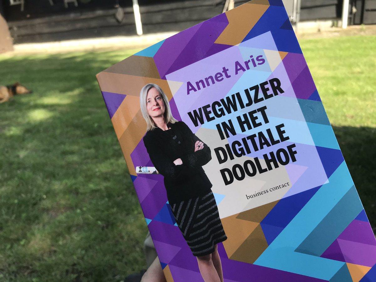 #Digitaledisruptie en #transformatie. Mooie wegwijzer @AnnetAris prima vakantie lectuur #NCDpic.twitter.com/5ZSLYAdkc0