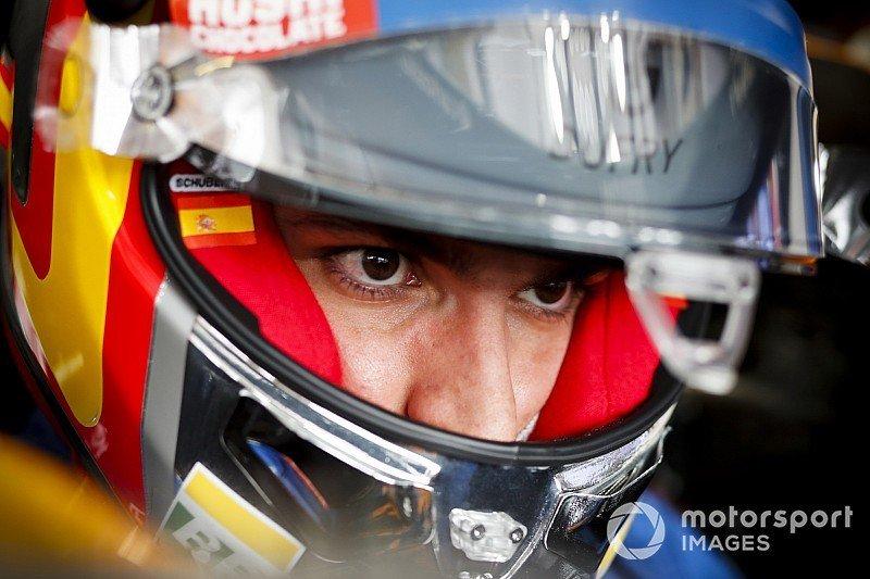 RT @McLarenF169: Carlos Sainz - McLaren Renault #55 2019 https://t.co/uhzYRqdTkV