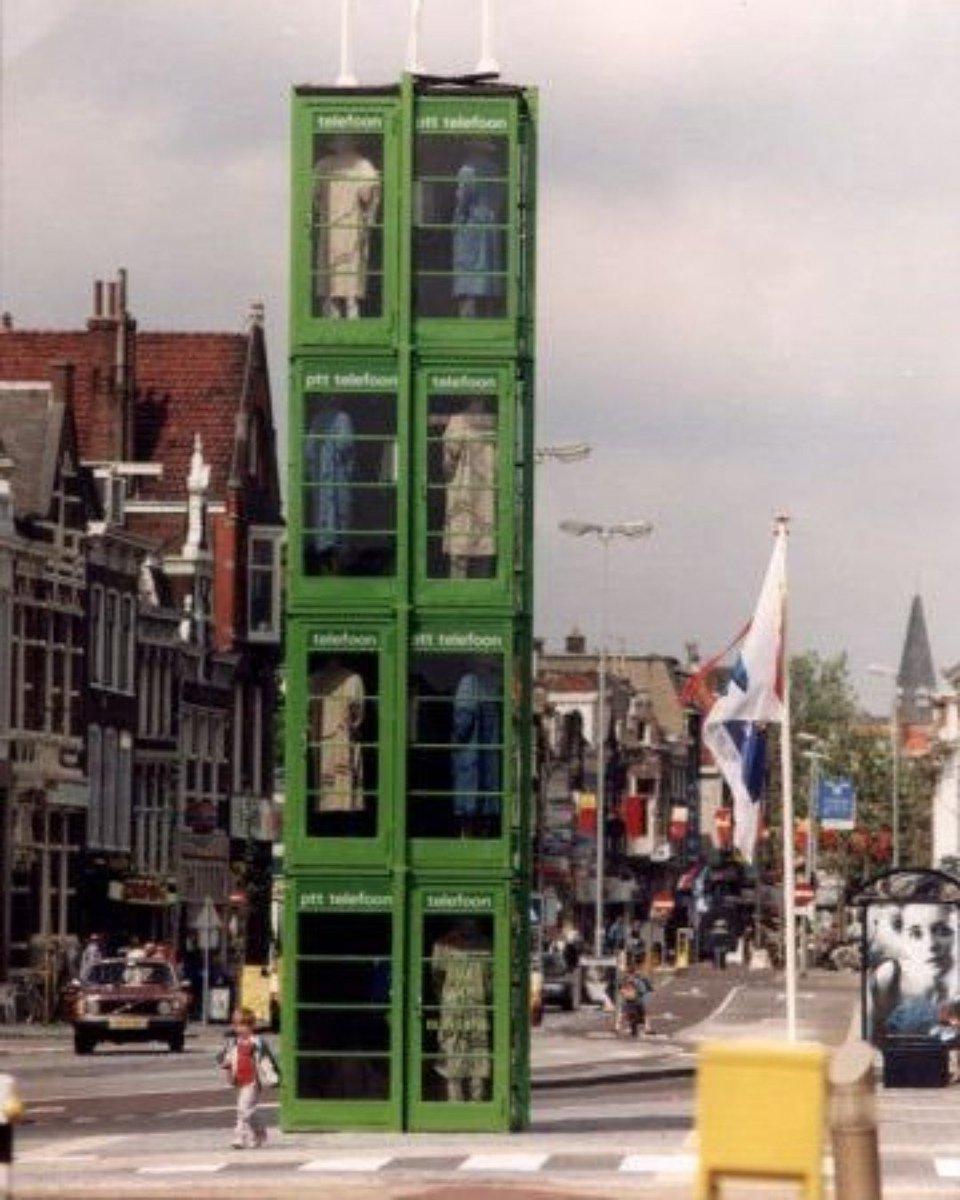 test Twitter Media - #ThrowBackThursday Telefooncellen zijn door de opkomst van mobiele telefoons wel vergeten door Nederland. Op het Houtplein in Haarlem kun je ze in de vorm van een kunstwerk nog bewonderen.  #tbt https://t.co/gFRTse7kjR