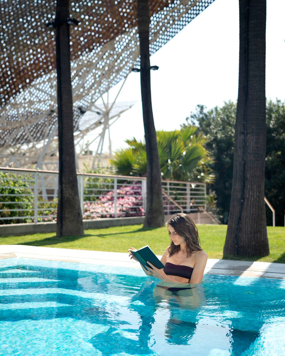 Only the sound of the birds singing will interrupt you while reading in our gardens  #HotelArtsBarcelona #WhereCityMeetsSea https://t.co/t8TguvEghC