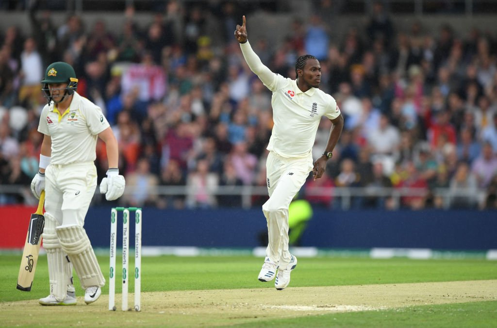 Jofra Archer strikes seconds before the rain resumes!Marcus Harris, on #Ashes debut, nicks off for 8, and the rest of the players join him in leaving the pitch.#ENGvAUS UPDATES 👇http://bit.ly/Eng-v-Aus3
