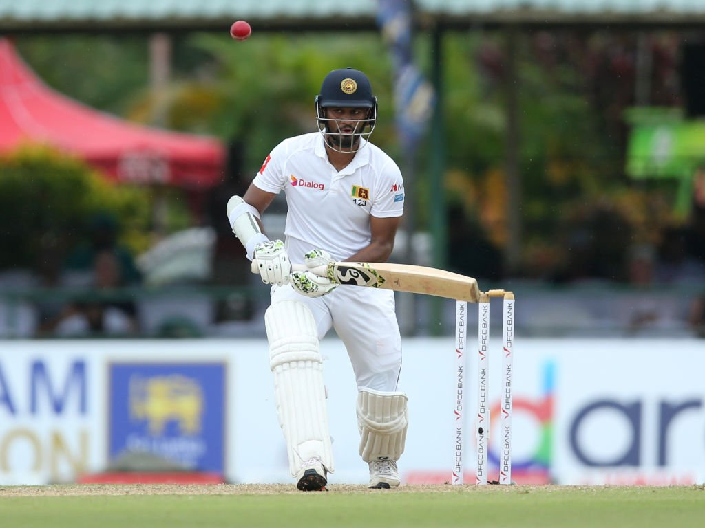 Bad light has forced the players from the field in Colombo.Colin de Grandhomme struck to remove Kusal Mendis, but Dimuth Karunaratne is still there, one away from his half-century.Sri Lanka are 85/2 at stumps.#SLvNZ SCORE 👇http://bit.ly/SLvNZ2