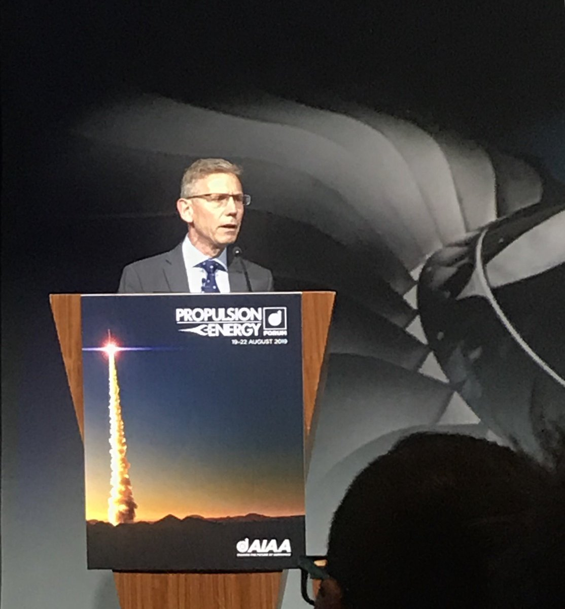@RollsRoyce @aiaa @RollsRoyceNA Flying is a force for good but we have the duty to minimise our impact on the planet, return the planet in good conditions to next generations, we have a duty to investors and we want to attract the best talent. #AiaaPropEnergy 🍃