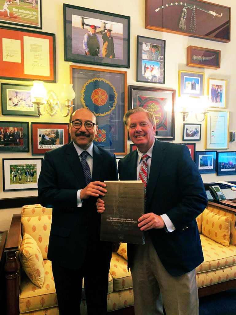 A privilege to meet Senator @LindseyGrahamSC and discuss strengthening of #India-#US #strategic and trade relations. Also invited him for the 150th birth anniversary of #MahatmaGandhi #Gandhi150 <br>http://pic.twitter.com/VIixJGmVDQ