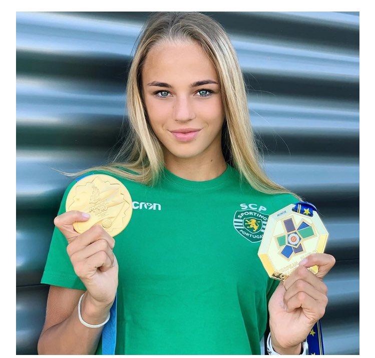 ウクライナの柔道選手のビロディド選手美しすぎる。17歳とか信じられないしモデル事務所に勧誘されても柔道一筋なところもかっこいい