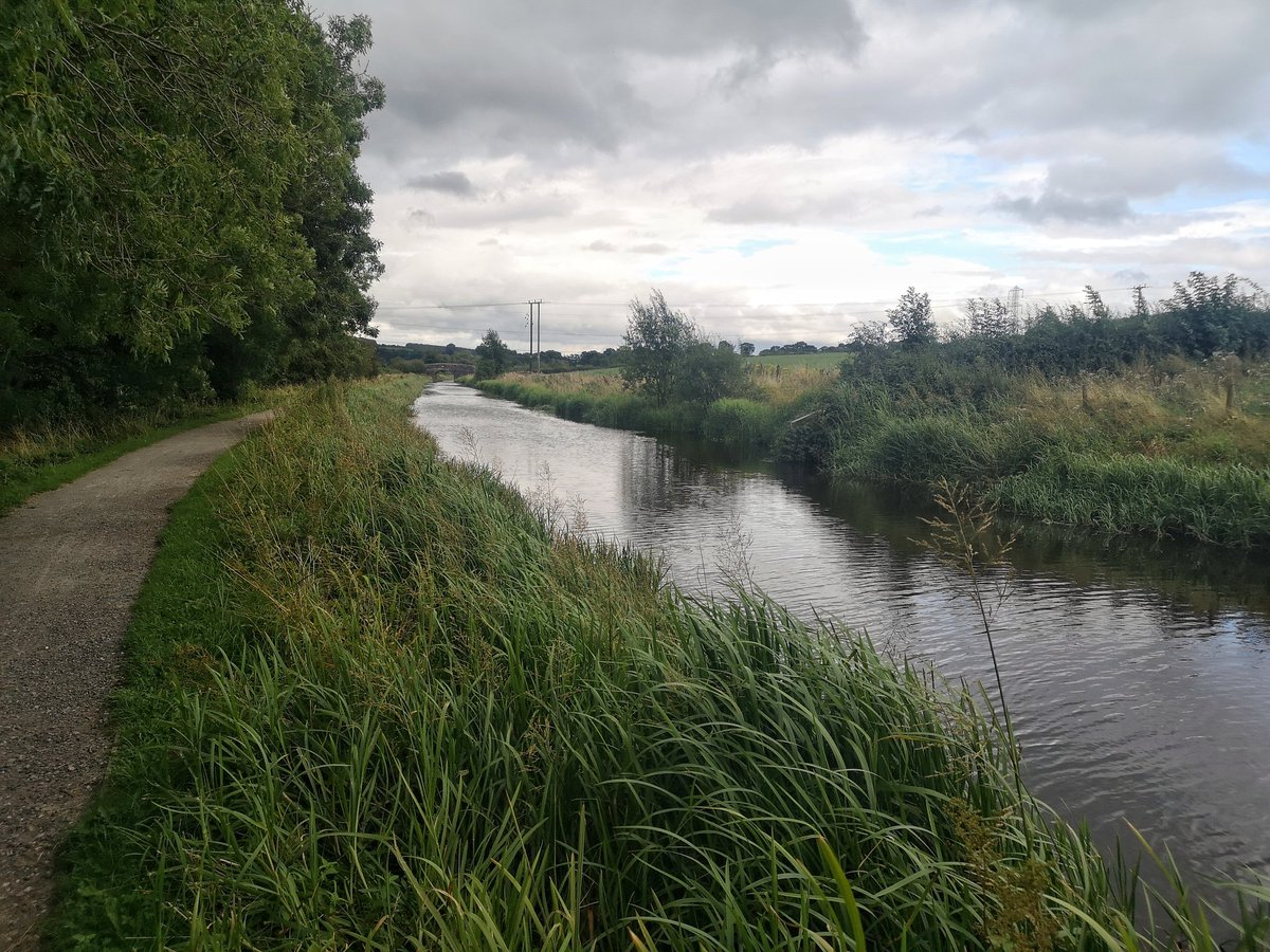 Refreshing 12k run along the Caldon Canal before going out for dinner!  #HealthyLiving #LifesBetterByWater<br>http://pic.twitter.com/MKUTgoGDy5