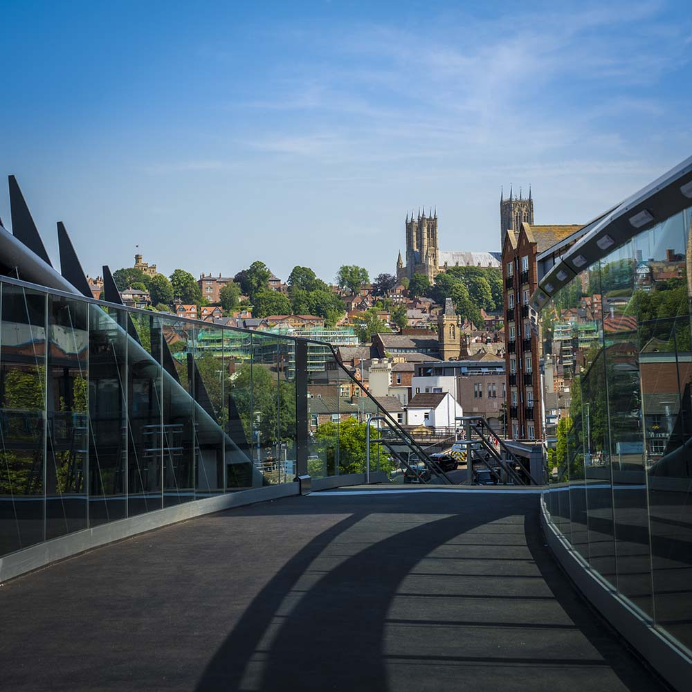 What does everyone think to Lincoln's new footbridge over the railway level crossing? Fantastic views! #lincoln #footbridge #whatdoyouthink #lincolnshirepride<br>http://pic.twitter.com/WWAUzdVbPW