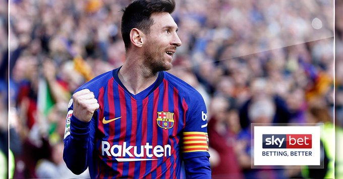 If you started your footballer career right now, and scored 40 goals a year for 15 years...   You'd still be 71 goals behind Lionel Messi.   Not to forget that he also has 286 assists.  <br>http://pic.twitter.com/trxru3NRRO