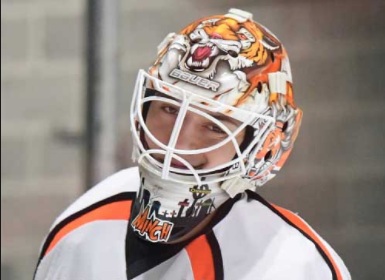 Happy Birthday (yesterday, oops) to Junior Goalie Connor Minch! @CMin___ Last season Connor led the Bengals with 10 wins! https://t.co/lH74W6cn2I