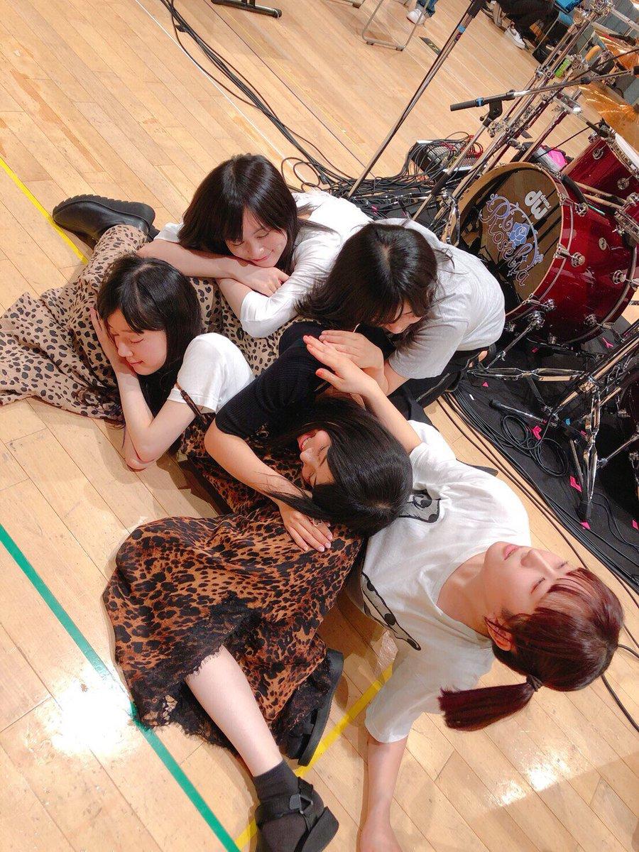 みんなー!いくらアニサマが楽しみ過ぎるからって、ここで出し切ってはいけなーい‼️あ、ダメだ…めぐちぃも……もう………アニサマ…きっと…凄い日になりゅ…むにゃむにゃ……(「Animelo Summer Live 2019 -STORY-」のリハーサルより)#anisama #Roselia #バンドリ