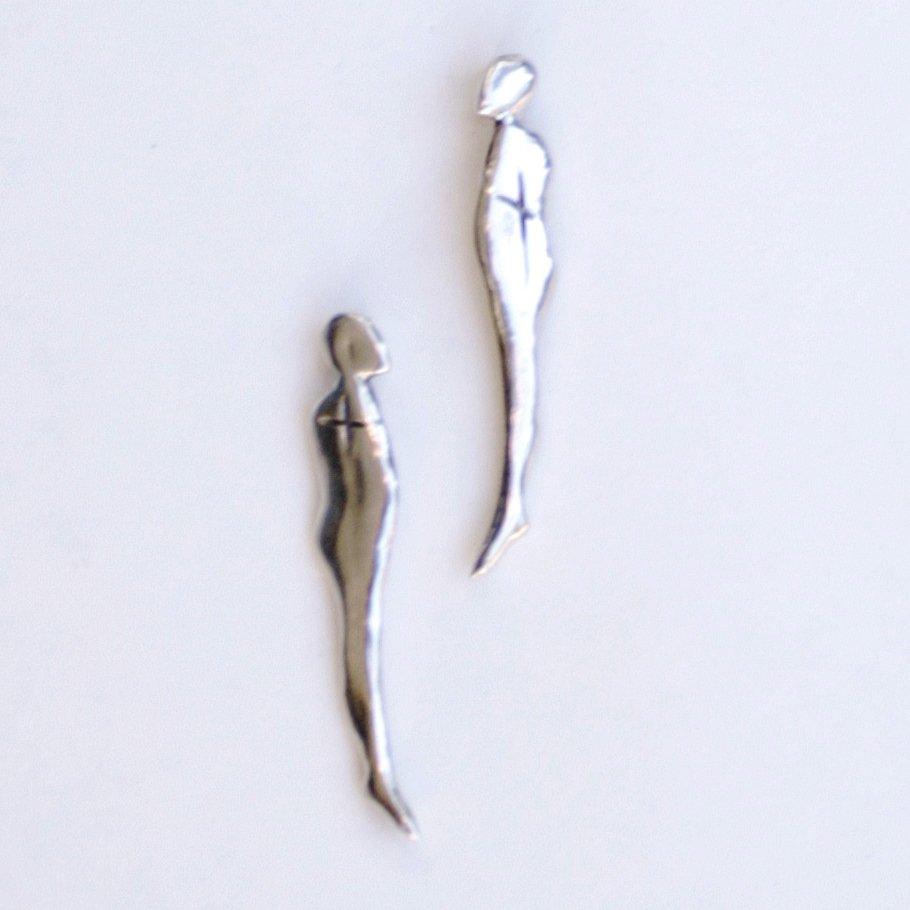 Studs. Two humans. Earrings.  #silver #earrings #earringsoftheday #happypeople #ludviksdesigns #danfortheastartsfair #toronto #torontoart #artfairtoronto #danforth #arttour  #iloveart  #jewlery<br>http://pic.twitter.com/rQwgCW1TBJ