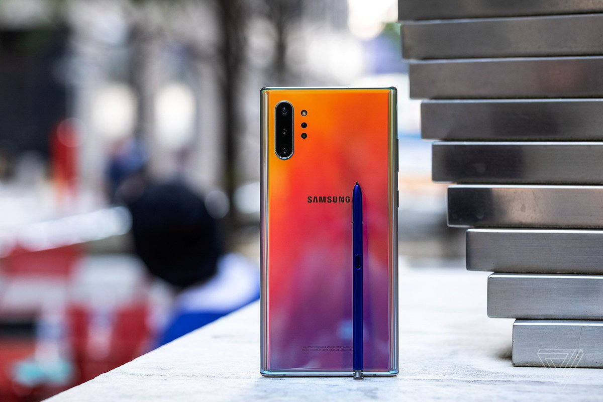 The Note 10 Plus is the nicest phone you can get. Also super powerful. Also BIG. But... lots of phones are nice and powerful and big now, for less money. So what's left for the Note that actually matters? It's the stylus, stupid! My review: theverge.com/2019/8/22/2082…