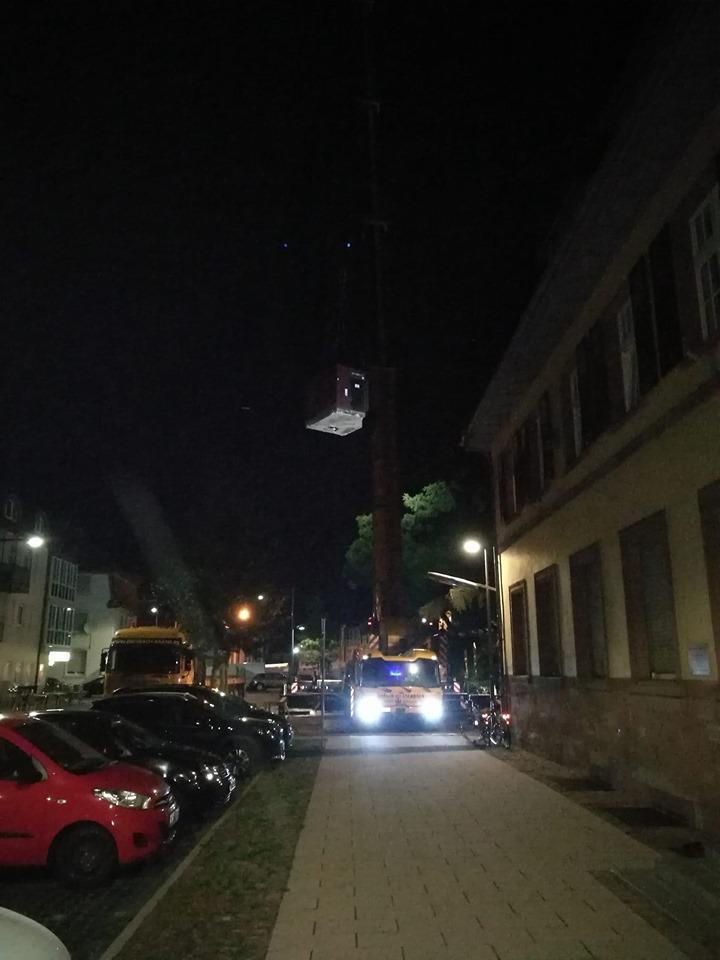 TARDIS seen in Heidelberg-Kirchheim, Germany. #HomeforWhovians https://t.co/AoM2gwWsVK