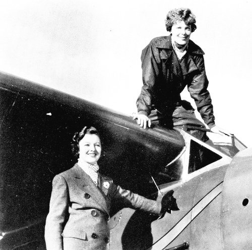 #MyrnaLoy and #AmeliaEarhart c. 1934 https://t.co/d4r01CbQ3S
