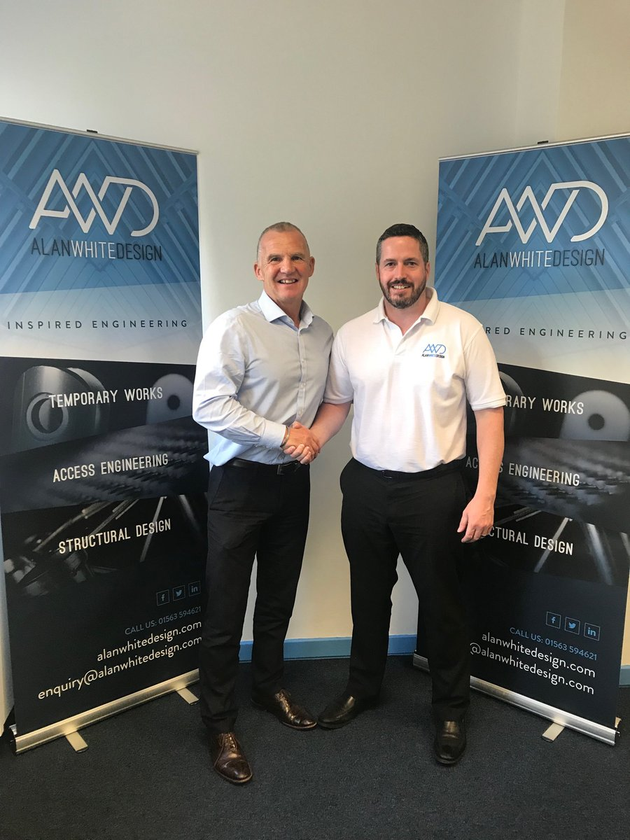 @KilmarnockFC thank Malachy from @alanwhitedesign for taking out an advertising board with us for another season. We appreciate all the support we get from our business community.  #WeAreKillie<br>http://pic.twitter.com/cueYrHSFkL