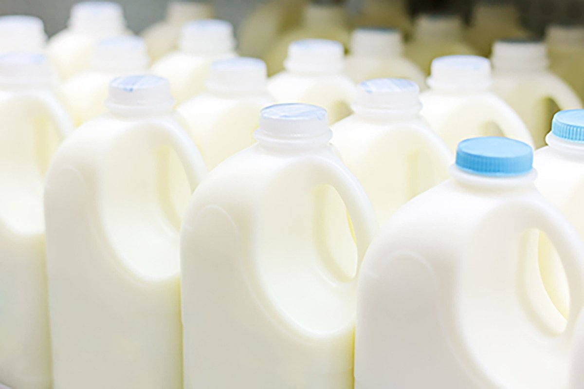 DYK: The use by date on a carton of milk indicates the last day the milk is guaranteed to be its best quality, not the last day the milk is useable. Taste it, dont waste it. ow.ly/il3950vDNsC #nofoodwaste