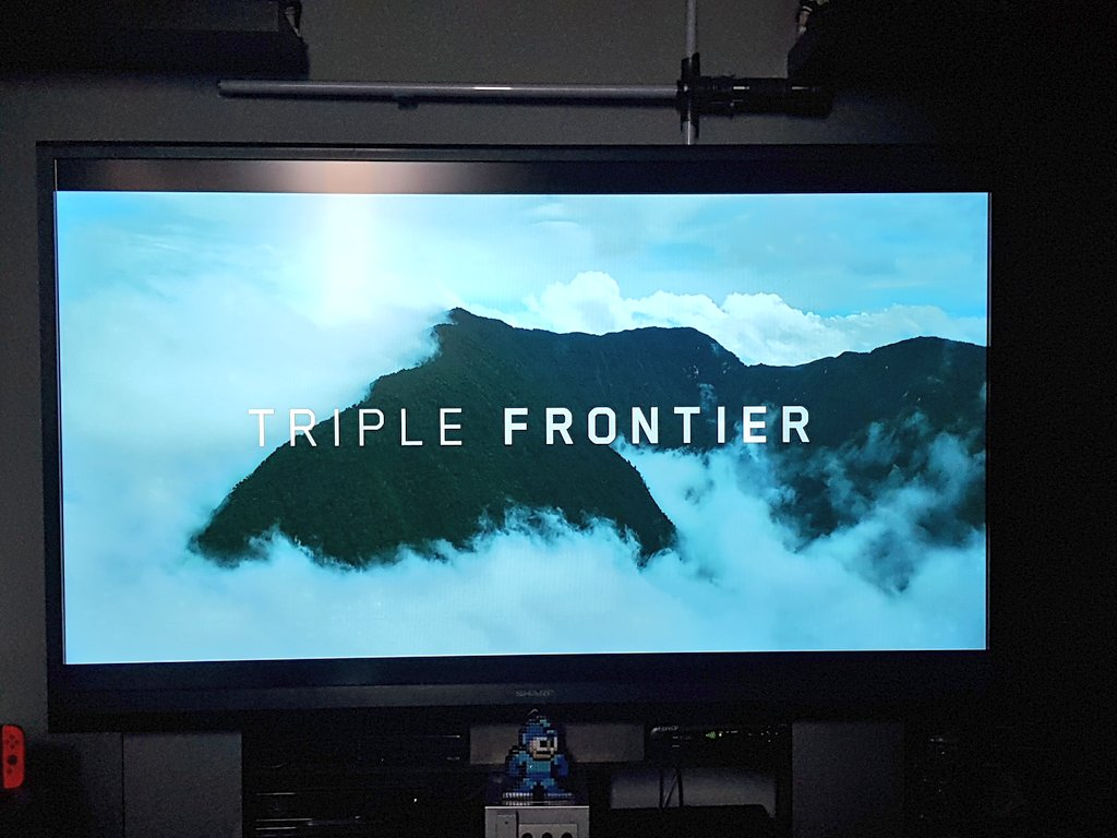 Finished watching @netflix 's Triple Frontier after meeting producer @nealdodson Such an amazing movie. Great cast. Loved @realOscarIsaac so much in this movie! It was a pleasure to meet you Neal bring the boys another time and tell me what great thing you are working on. https://t.co/SpDqzfHvI5