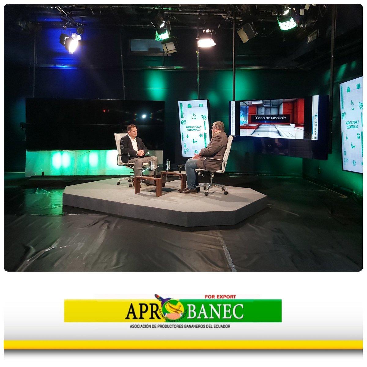 Grabando el programa #MesaDeAnálisis que se transmitirá la próxima semana por @ucsg_tv #Aprobanec #ProductoresBananeros#Ganar