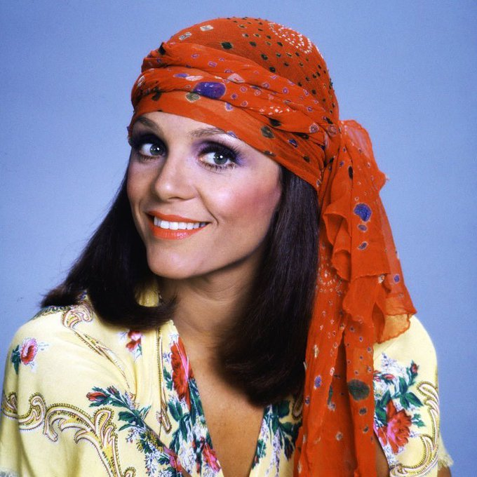 Happy Birthday to Valerie Harper, born on this day in 1939.
