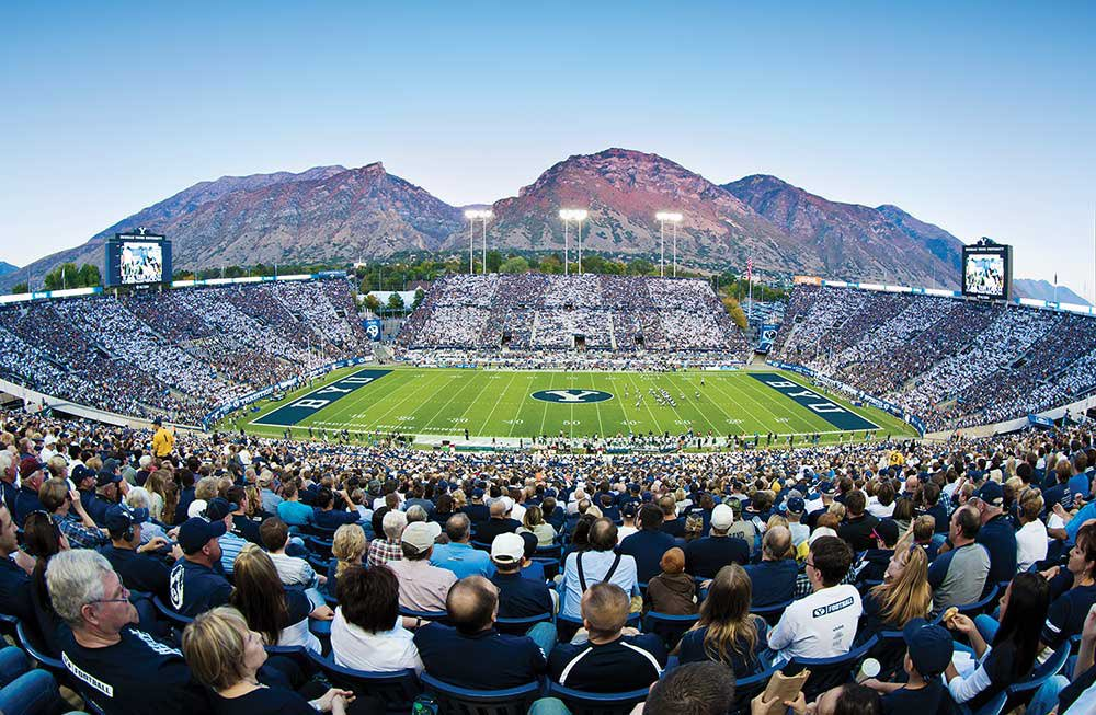 RT @WestCoastCFB: Who has the better stadium?  RT for BYU Like for Utah https://t.co/QMovMxMYnp