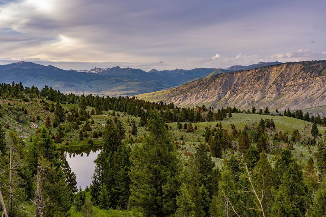 A place of peace. #MontanaMoment | : IG user jusup11<br>http://pic.twitter.com/1vr1euHhZx