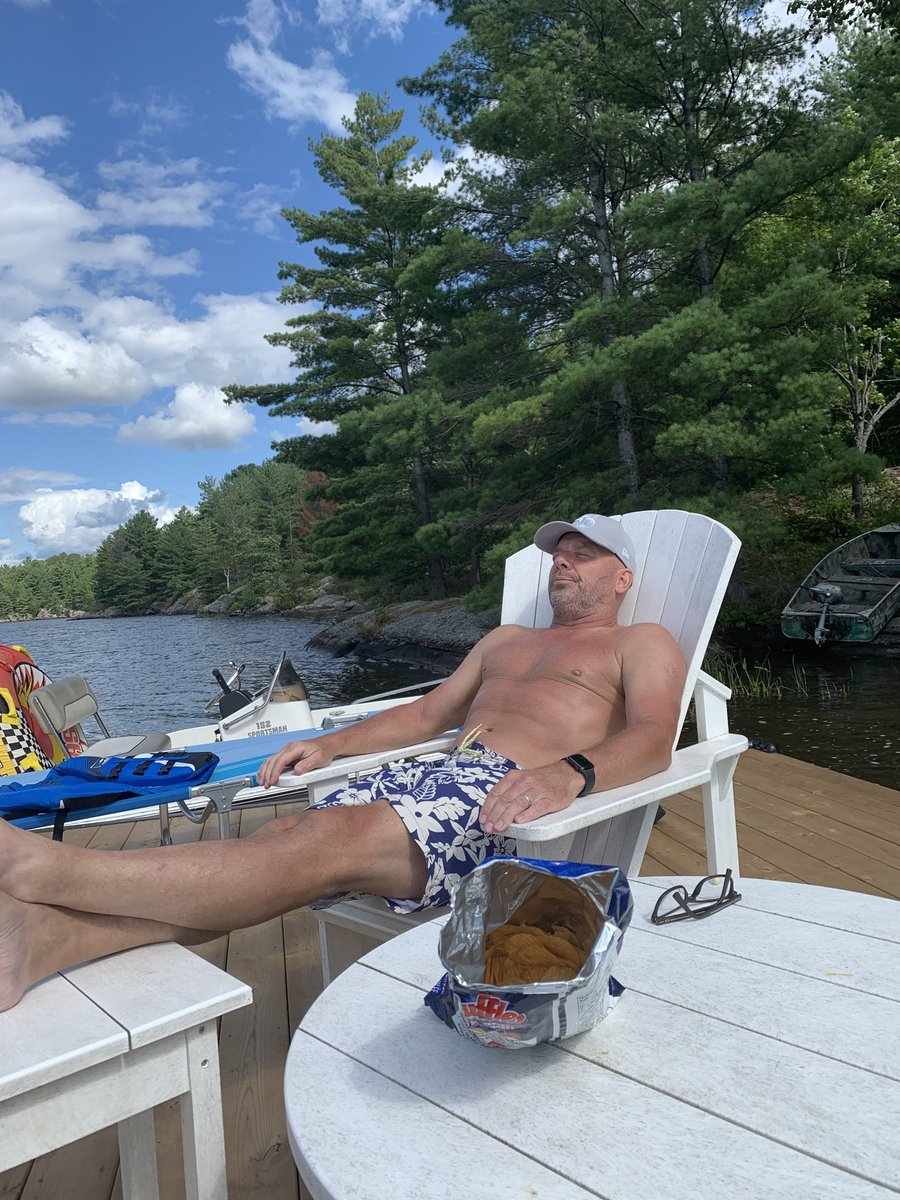 Couple of boats, a new dock and a bag of' snacks. Life is good.   If only this was my place. #eugeniacottage<br>http://pic.twitter.com/Czw3MNCxSE