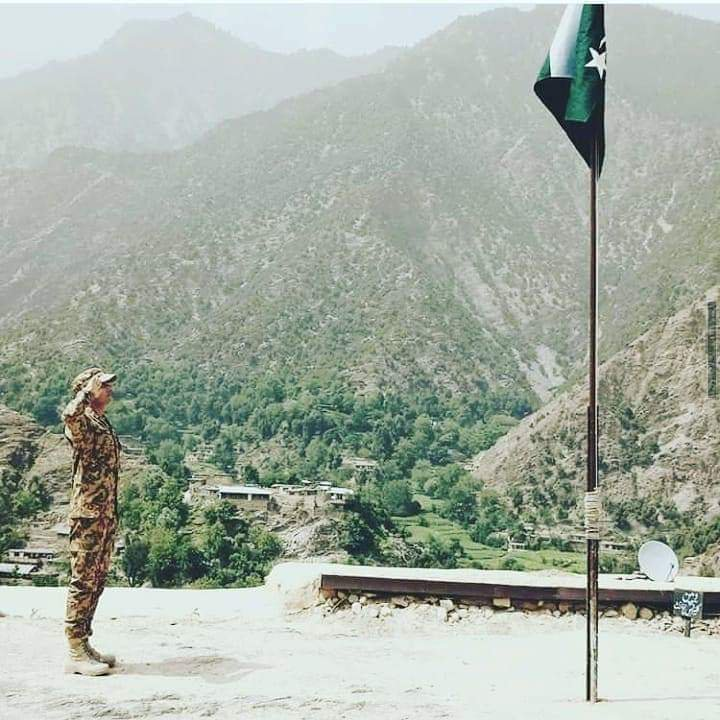 #ReadyToDieForPakistan Dear Mother Land, We owe You Our Lives, We r Sons of the SoiL, Always ready to raise Our Flag High & Sacrifice Our Today 4 Tomorow of Our Next Generations. Long Live Pakistan. <br>http://pic.twitter.com/nzA1yqQv3Z
