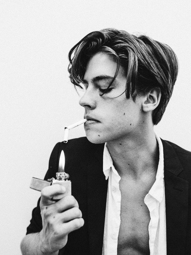 RT @fxrfallabianca: cole sprouse https://t.co/2ZSLoWfP1b