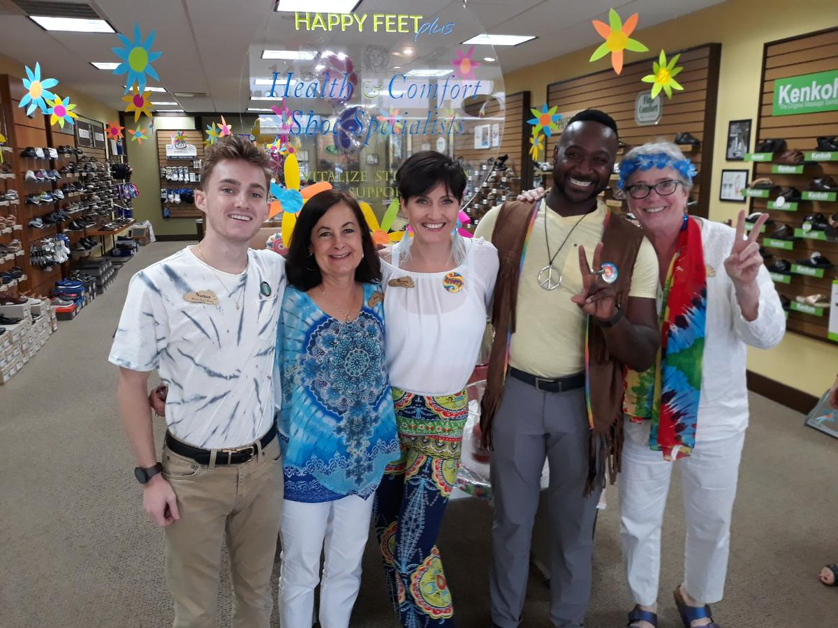 The 50th anniversary of Woodstock was celebrated in Sarasota. What a groovy time shopping and enjoying refreshments. #HappyFeet👣#Woodstock #Groovy #Sarasota #FloridaFun #ShopLocal #ShopFlorida