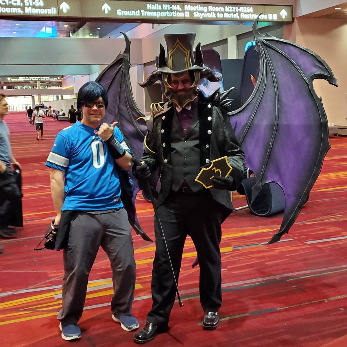 @bibliovoreorc @oldmanurza and I are here at #mtgvegas!!! Come say hi!!! @channelfireball @CFBEvents @wizards_magic #sponsored #magicthegathering #cosplay #mtg #mtgcommunity