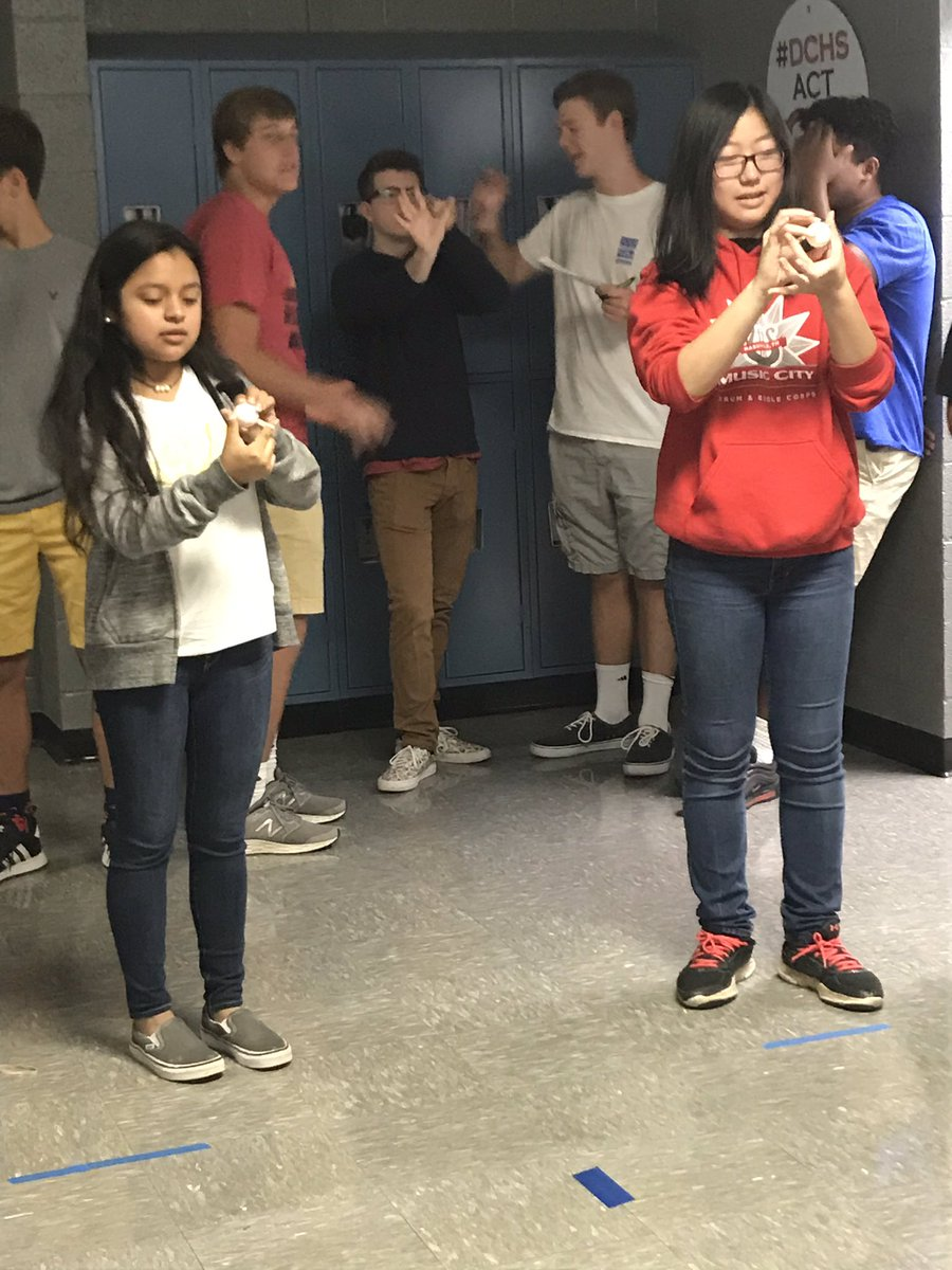 Mrs. Post's 1st period Precalculus class reviewed parabolas by participating in a modified pumpkin chunkin competition. @DCcougarnation #seizetheday <br>http://pic.twitter.com/9NL7hN6dCi