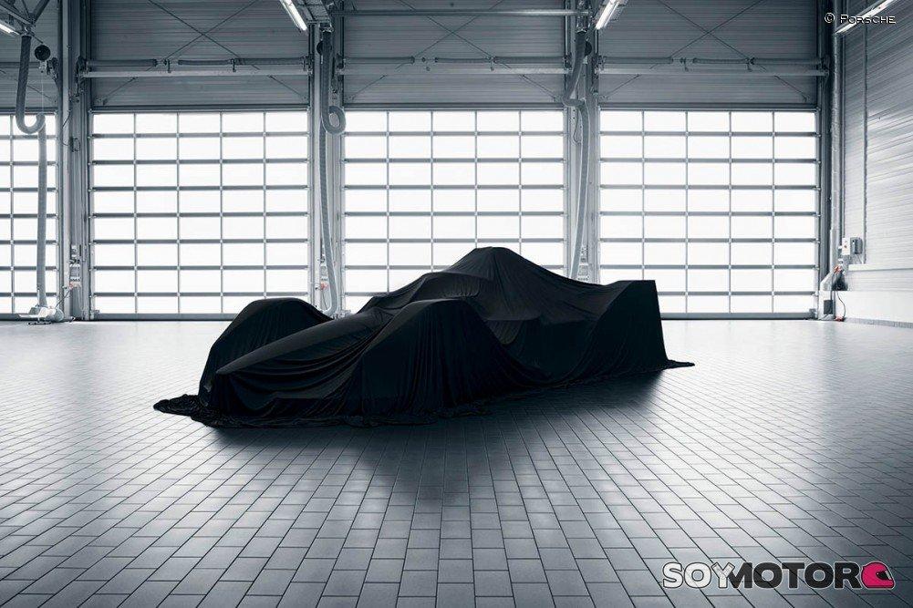 RT @SoyMotor: Porsche revelará su coche de Fórmula E con un videojuego online - https://t.co/xR87drGZBA https://t.co/NdCgb4HEkr