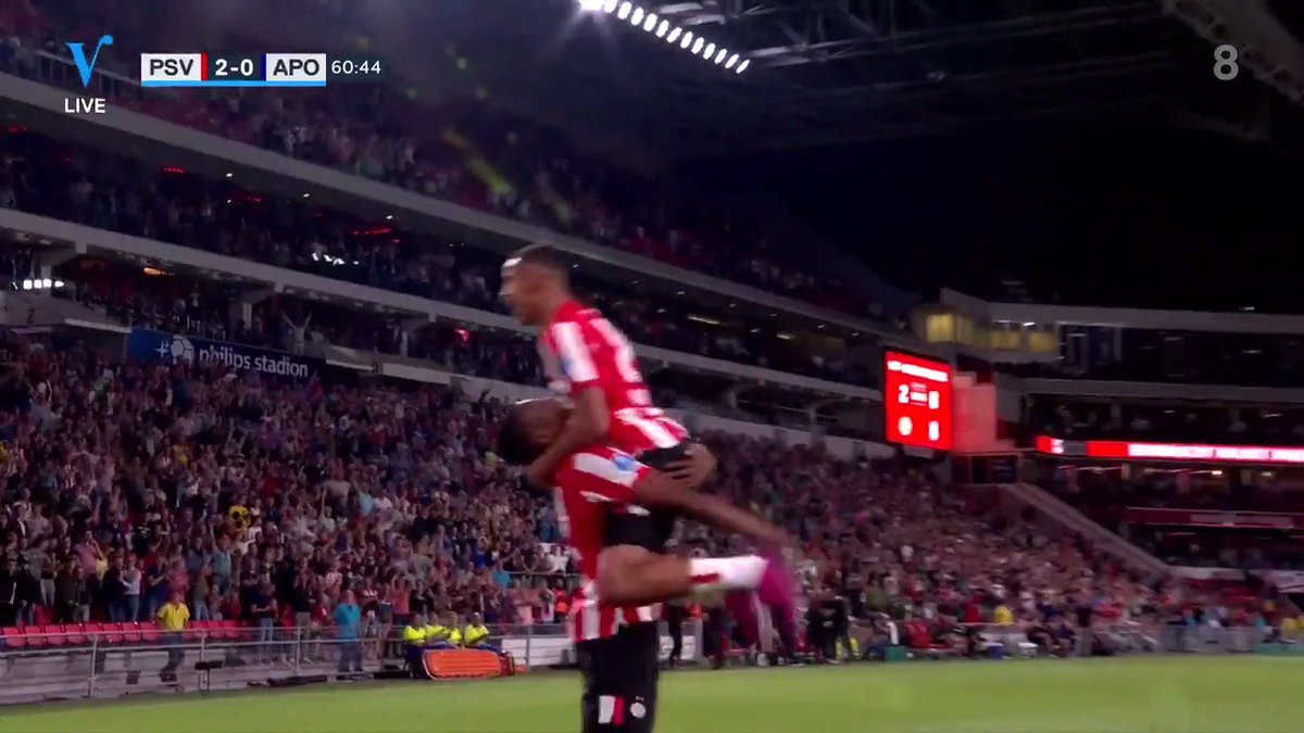 PSV - Apollon Limassol 3-0 door Denzel Dumfries