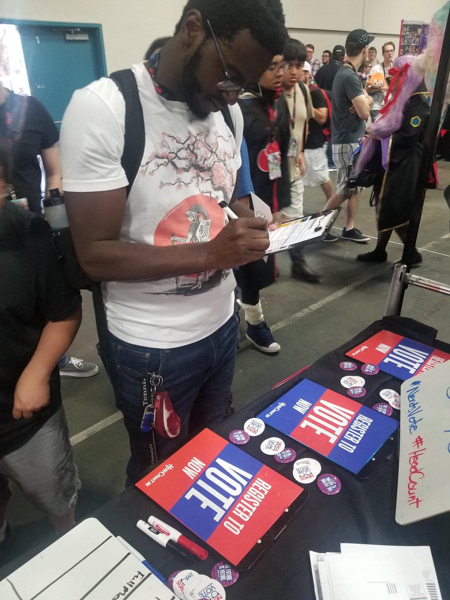 #ThrowbackThursday to @WeAreAKon when @HeadCountOrg helped us register folks #TexasStyle! Thanks for having us, #Akon and thanks to Tracy and her volunteers for making a difference! #vote! #registeredandready